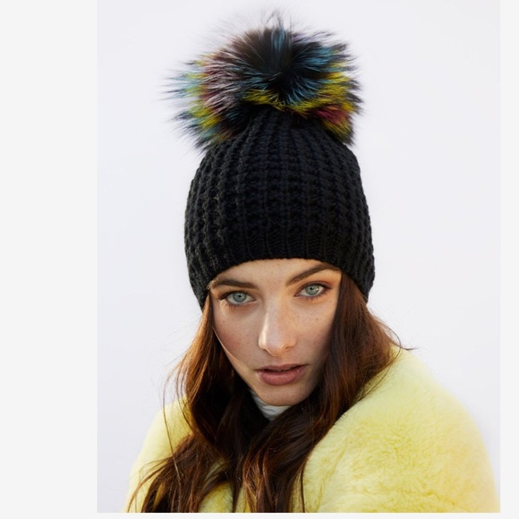 KYI KYI Genuine Fox Pompom Hat Black One Size NWT